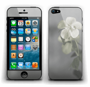 Flowery Blues Skin IPhone 5