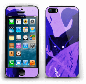 Purple skin with black cat