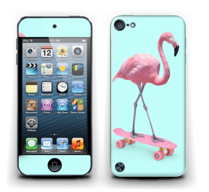 Flamingo på rullebrett Skin IPod Touch 5th Gen