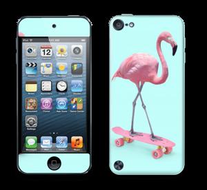 Skateboarding flamingo Skin IPod Touch 5th Gen